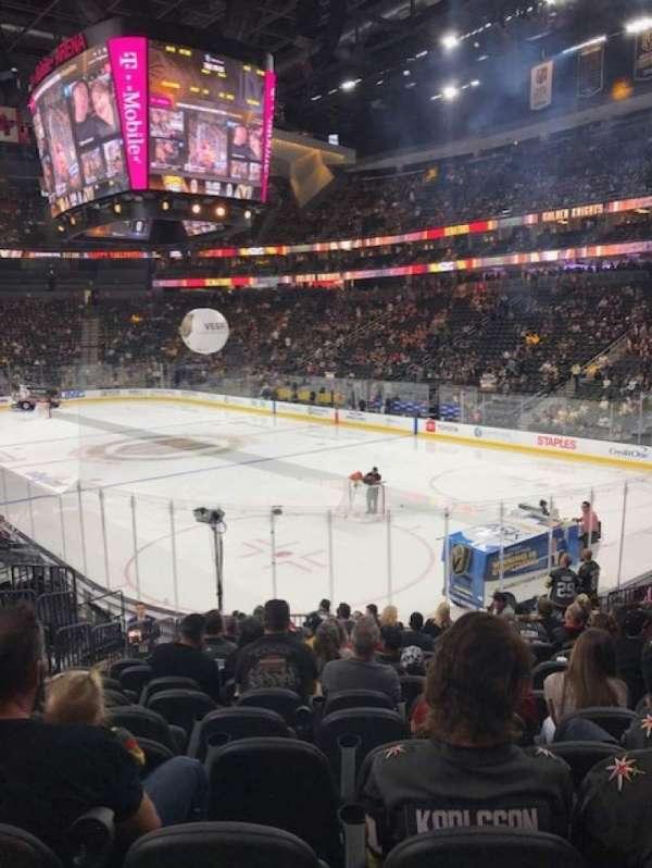 T-Mobile Arena, secção: 19, fila: Q, lugar: 7