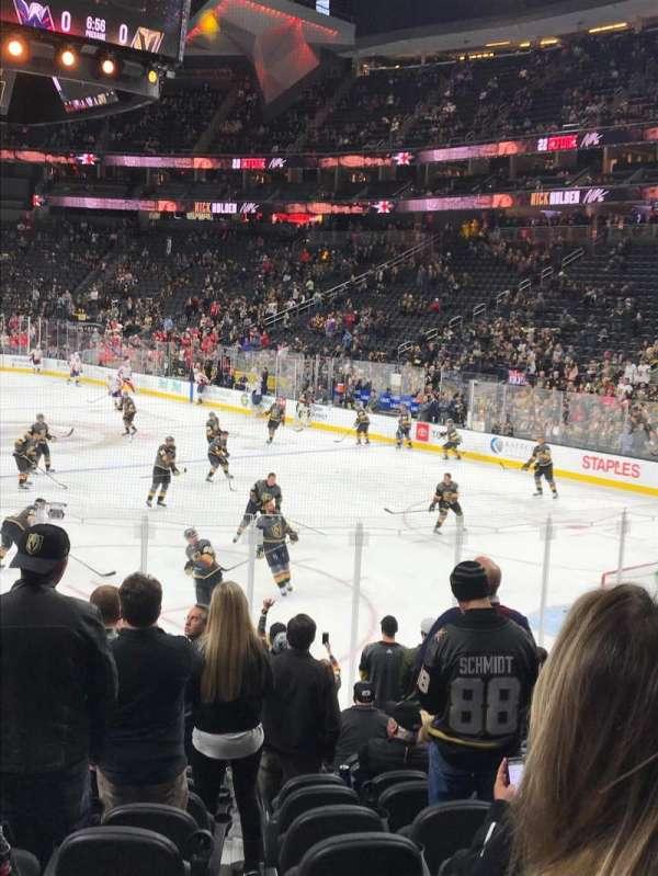 T-Mobile Arena, secção: 19, fila: M, lugar: 9