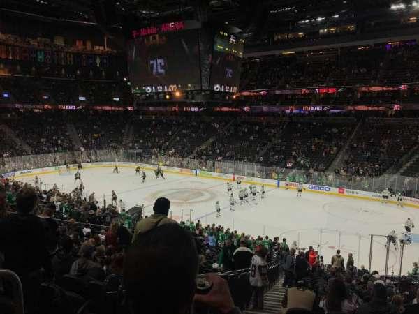 T-Mobile Arena, secção: 8, fila: Y