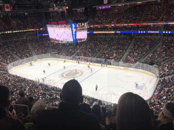 T-Mobile Arena, secção: 227, fila: G, lugar: 3