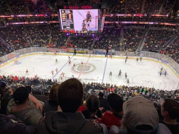 T-Mobile Arena, secção: 224, fila: F, lugar: 10