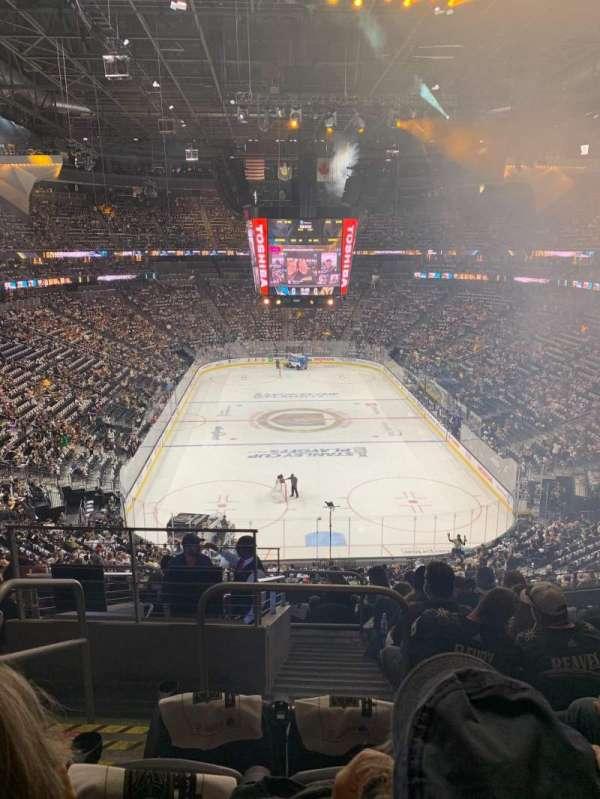 T-Mobile Arena, secção: 101, fila: K, lugar: 2
