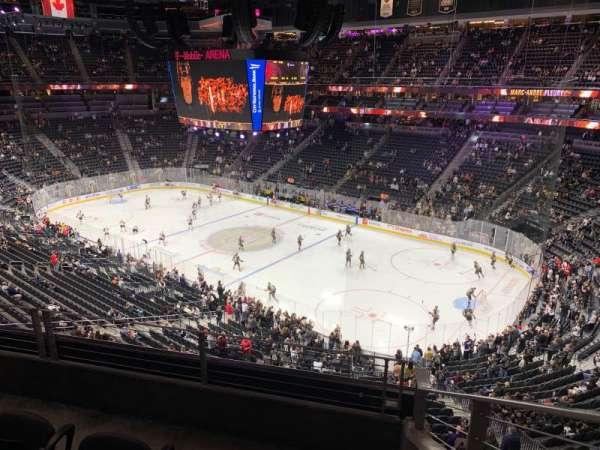 T-Mobile Arena, secção: 227, fila: C, lugar: 8