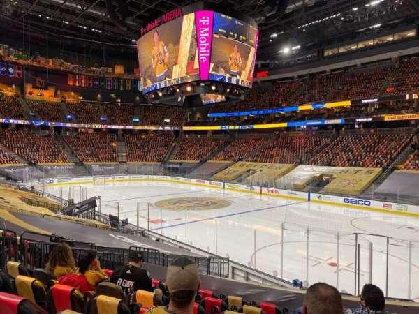 T-Mobile Arena, secção: 8, fila: N, lugar: 10