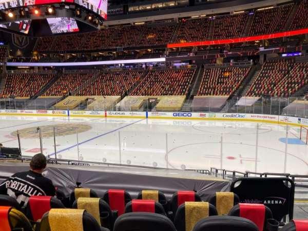 T-Mobile Arena, secção: 7, fila: J, lugar: 12