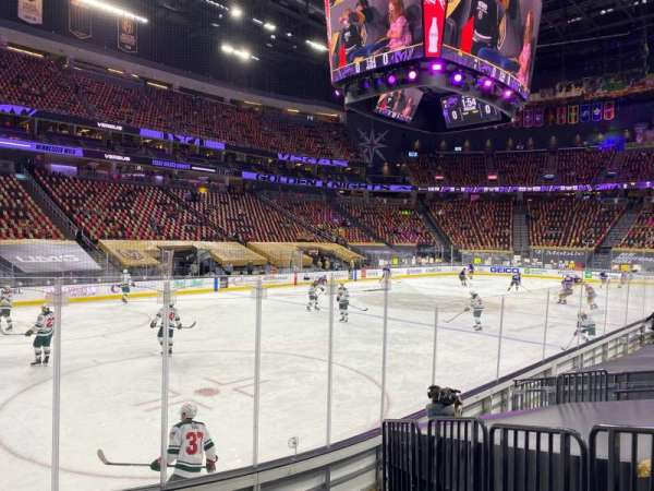 T-Mobile Arena, secção: 13, fila: F, lugar: 3