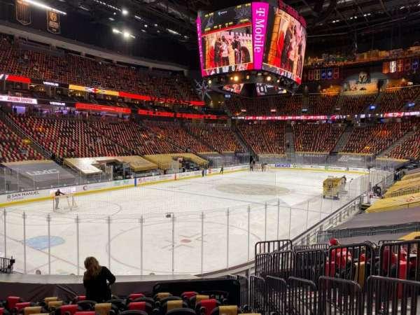 T-Mobile Arena, secção: 12, fila: N, lugar: 16