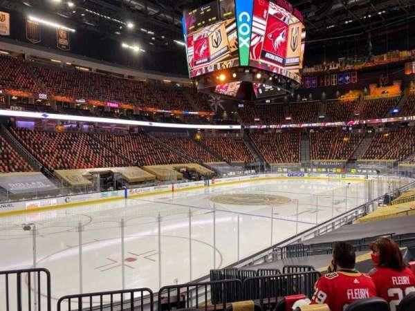 T-Mobile Arena, secção: 13, fila: K, lugar: 3