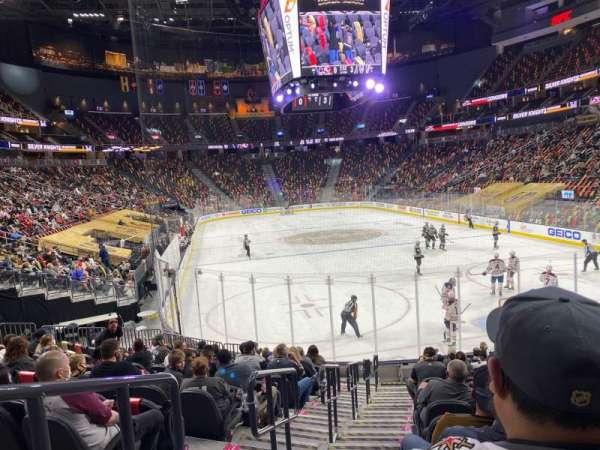 T-Mobile Arena, secção: 10, fila: N, lugar: 1