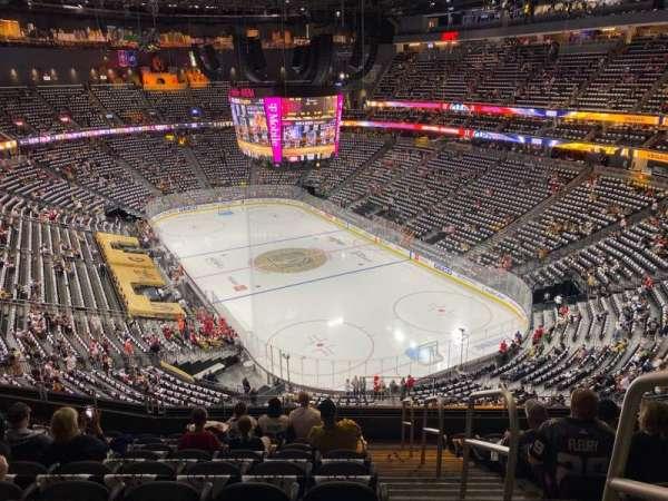 T-Mobile Arena, secção: 211, fila: J, lugar: 17