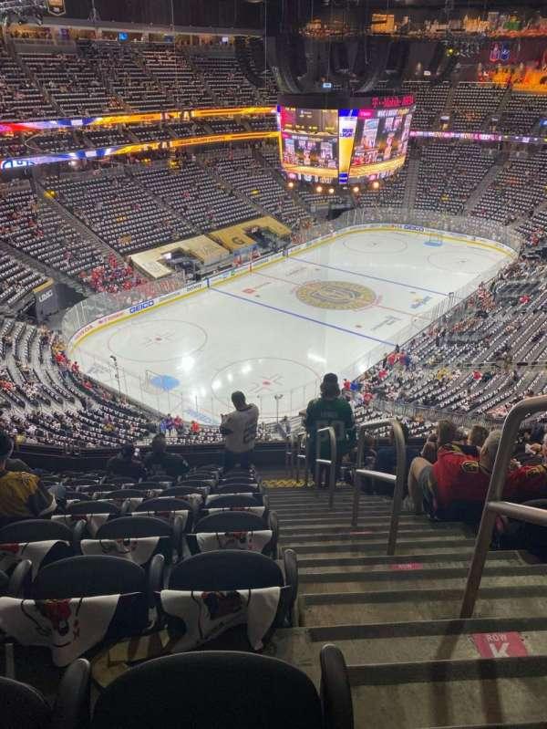 T-Mobile Arena, secção: 217, fila: L, lugar: 18