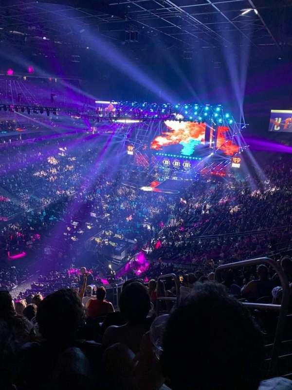 T-Mobile Arena, secção: 217, fila: M, lugar: 17
