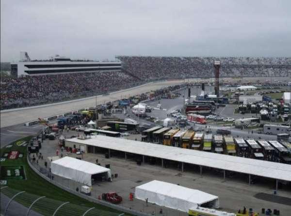Dover International Speedway, secção: 215, fila: 38