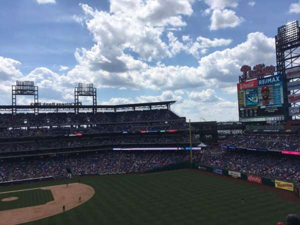 Citizens Bank Park, secção: 303, fila: 6, lugar: 22