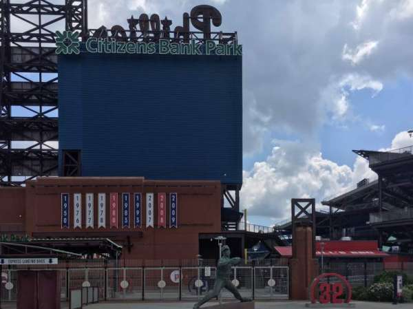 Citizens Bank Park, secção: Left Field Gate