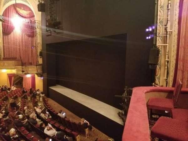 Bernard B. Jacobs Theatre, secção: Mezzanine R, fila: A, lugar: 28
