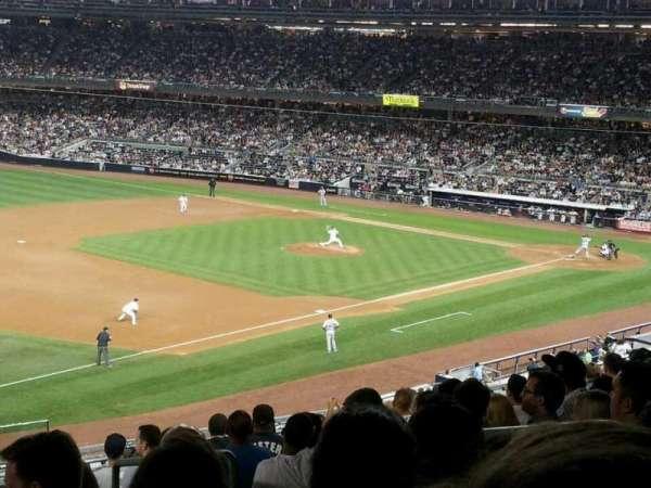Yankee Stadium, secção: 228, fila: 12, lugar: 4