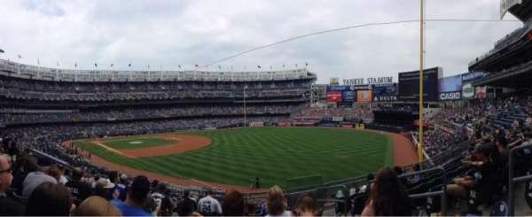 Yankee Stadium, secção: 210, fila: 8, lugar: 4