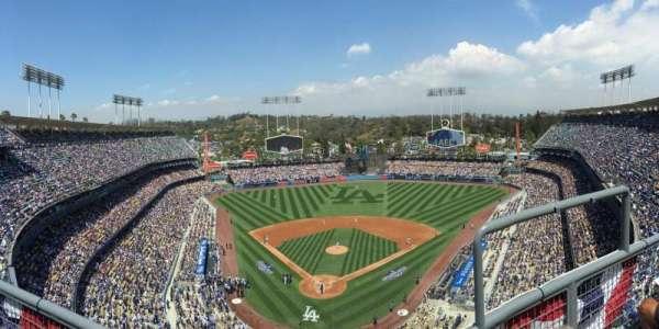 Dodger Stadium, secção: 2TD, fila: B, lugar: 17