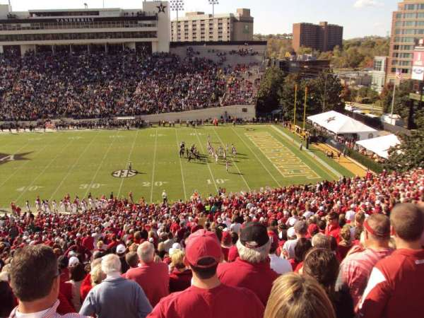 Vanderbilt Stadium, secção: u, fila: 56, lugar: 15-16