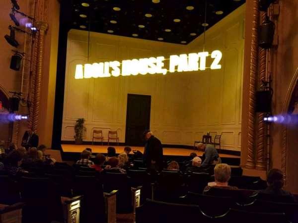 John Golden Theatre, secção: Orchestra R, fila: M, lugar: 6