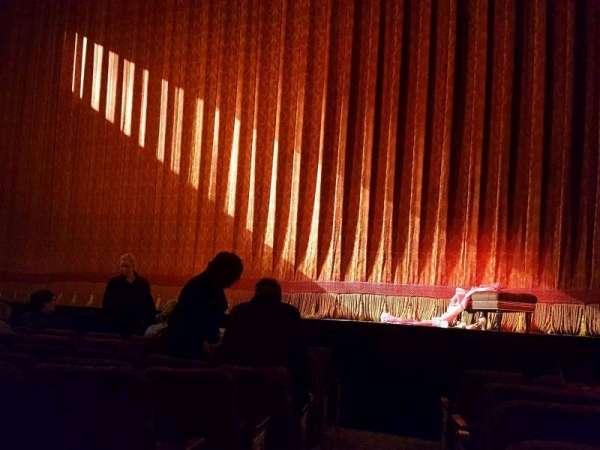 St. James Theatre, secção: Orch, fila: F, lugar: 2