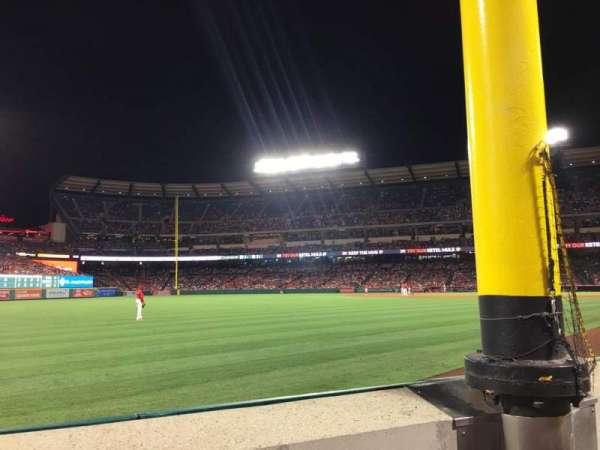 Angel Stadium, secção: F103, fila: A, lugar: 5