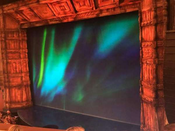 St. James Theatre, secção: Mezzanine R, fila: D, lugar: 20