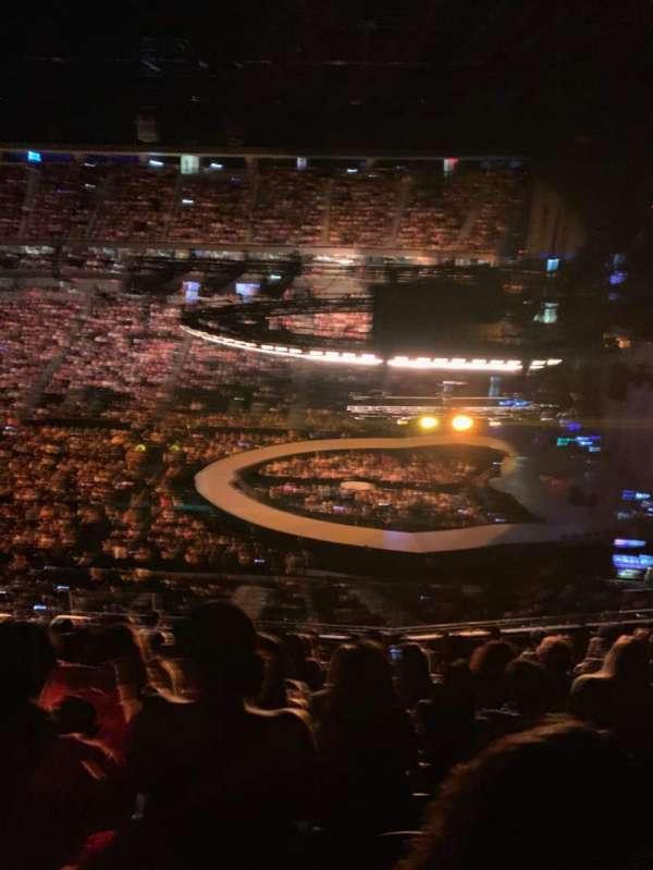 T-Mobile Arena, secção: 225, fila: K, lugar: 25