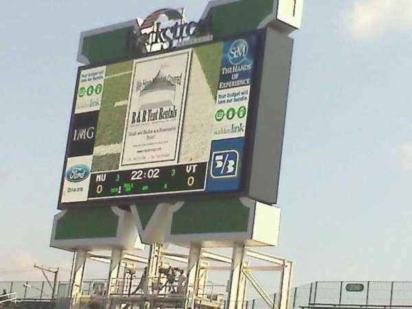 Joan C. Edwards Stadium, secção: 124, fila: 121, lugar: 102
