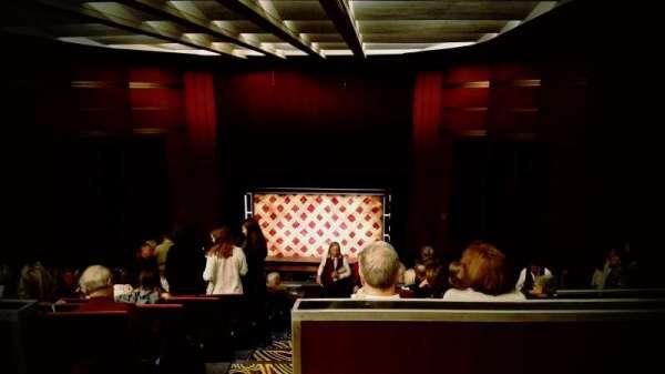 Kansas City Music Hall, secção: Balcony RC, fila: Q, lugar: 1