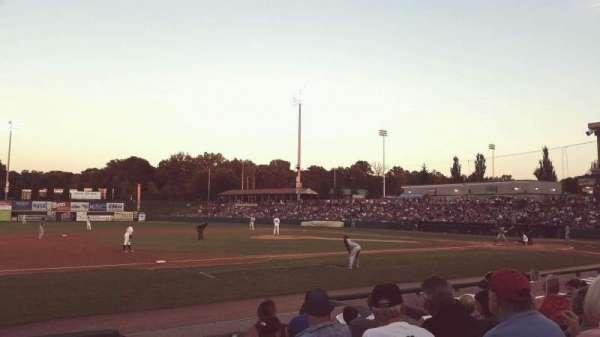 Joseph L. Bruno Stadium, secção: 230, fila: H, lugar: 1