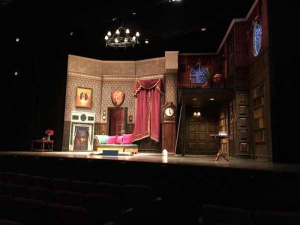 Lyceum Theatre (Broadway), secção: Orchestra Right, fila: E, lugar: 2