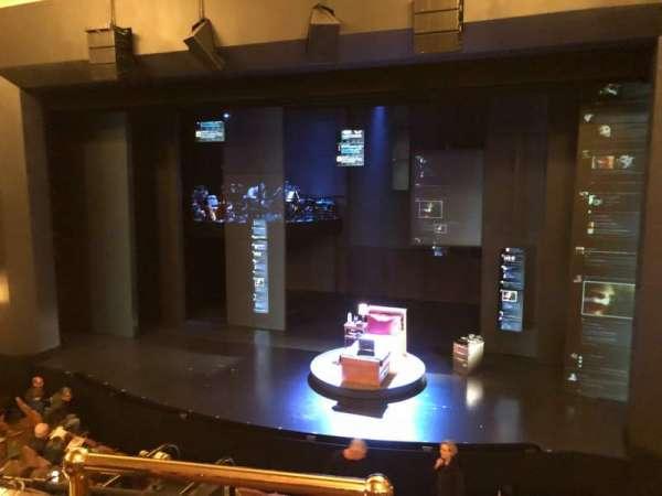 Music Box Theatre, secção: Mezzanine R, fila: B, lugar: 2