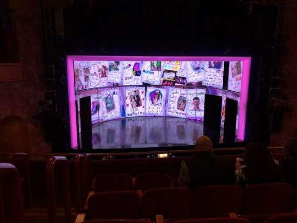 August Wilson Theatre, secção: MEZZ Center, fila: E, lugar: 114