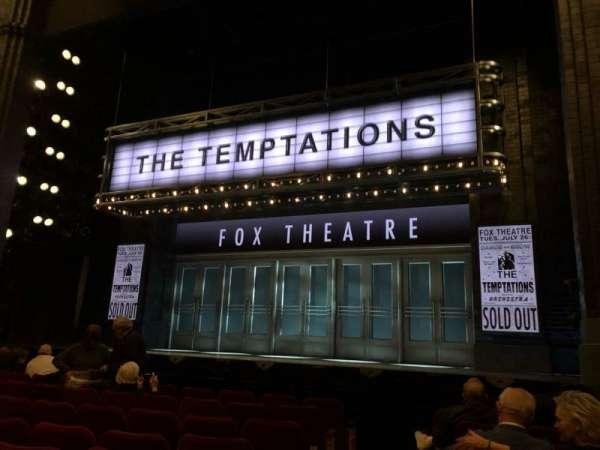 Imperial Theatre, secção: Orchestra R, fila: F, lugar: 2