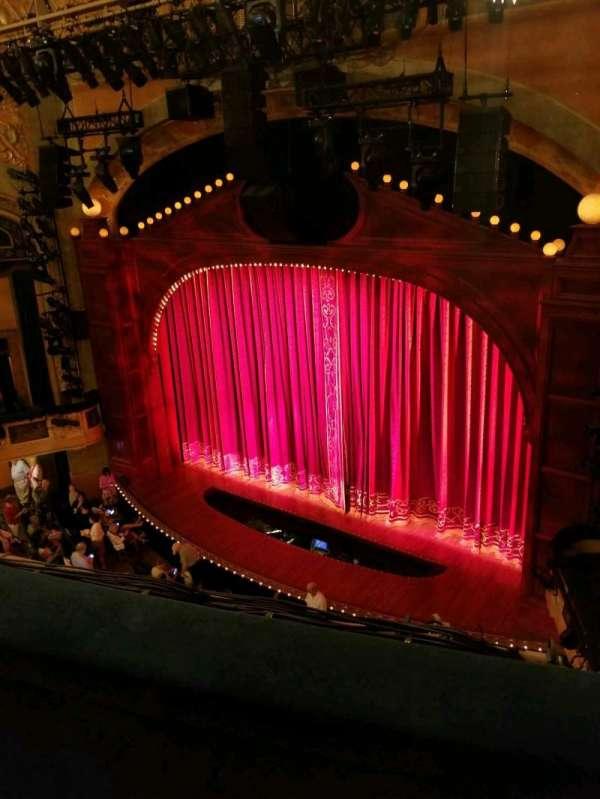 Shubert Theatre, secção: Balcony R, fila: B, lugar: 18