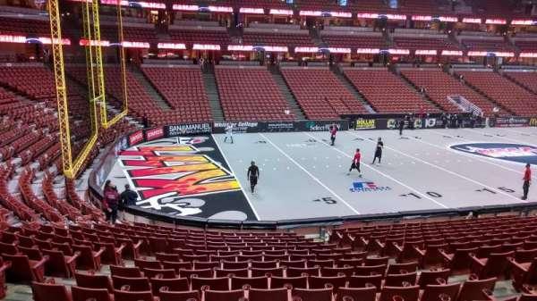 Honda Center, secção: 225, fila: S, lugar: 8