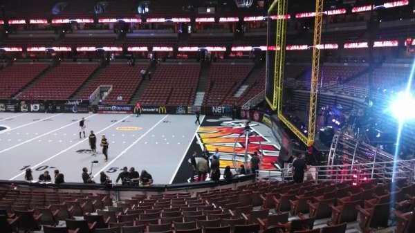 Honda Center, secção: 219, fila: S, lugar: 8