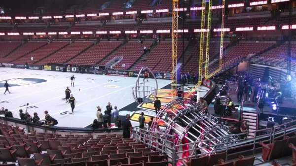 Honda Center, secção: 218, fila: S, lugar: 8