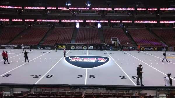 Honda Center, secção: 222, fila: L, lugar: 8