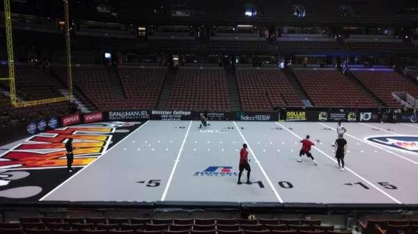 Honda Center, secção: 224, fila: L, lugar: 8