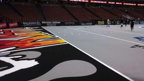 Honda Center, secção: 225, fila: A, lugar: 8