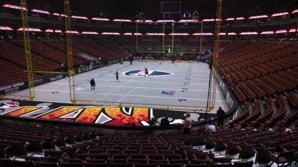 Honda Center, secção: 228, fila: S, lugar: 8