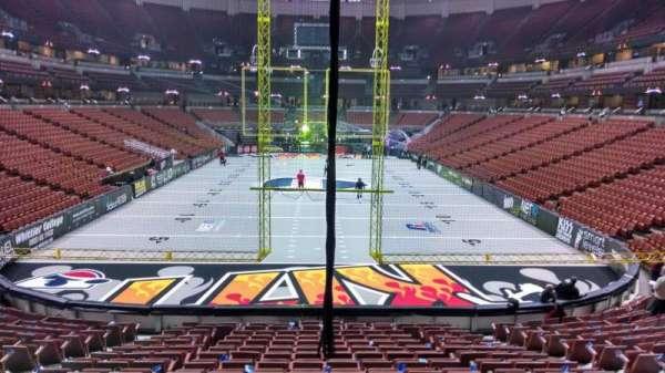 Honda Center, secção: 201, fila: S, lugar: 8