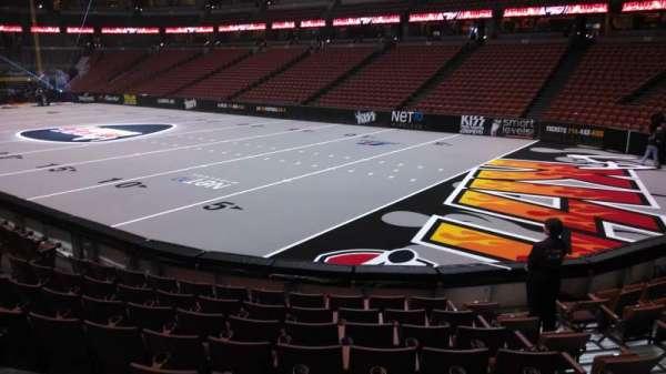 Honda Center, secção: 204, fila: J, lugar: 8