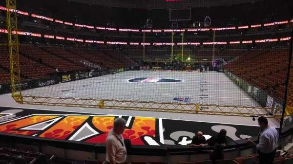 Honda Center, secção: 228, fila: J, lugar: 8