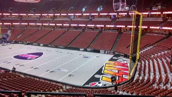 Honda Center, secção: 304, fila: C, lugar: 8