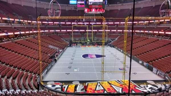 Honda Center, secção: 301, fila: C, lugar: 8