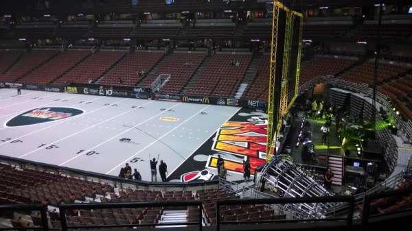 Honda Center, secção: 317, fila: C, lugar: 8